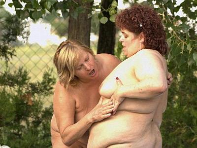 Lesbian BBW Outdoor Sex